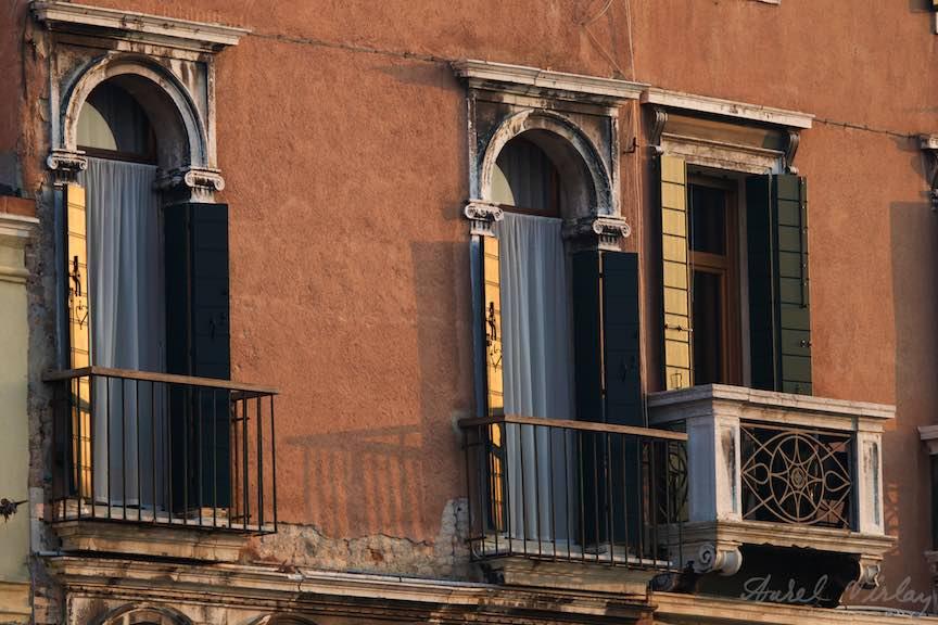 Venetia-Italia-Strazi-cladiri-vechi-canale-gondolieri-FotografAurelVirlan-Emails56
