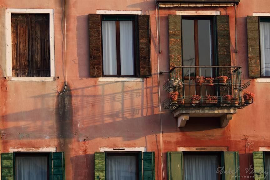 Venetia-Italia-Strazi-cladiri-vechi-canale-gondolieri-FotografAurelVirlan-Emails68