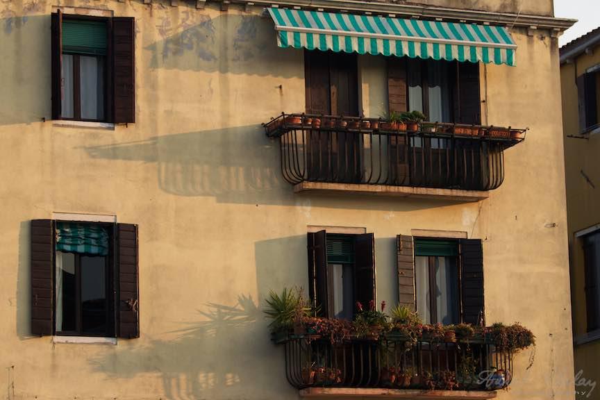 Venetia-Italia-Strazi-cladiri-vechi-canale-gondolieri-FotografAurelVirlan-Emails69