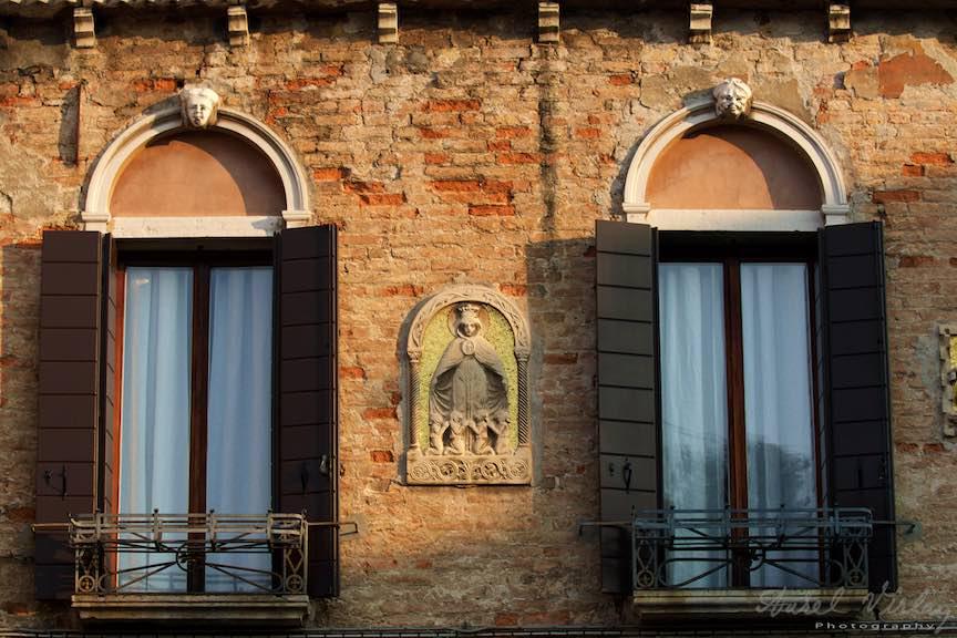 Venetia-Italia-Strazi-cladiri-vechi-canale-gondolieri-FotografAurelVirlan-Emails73
