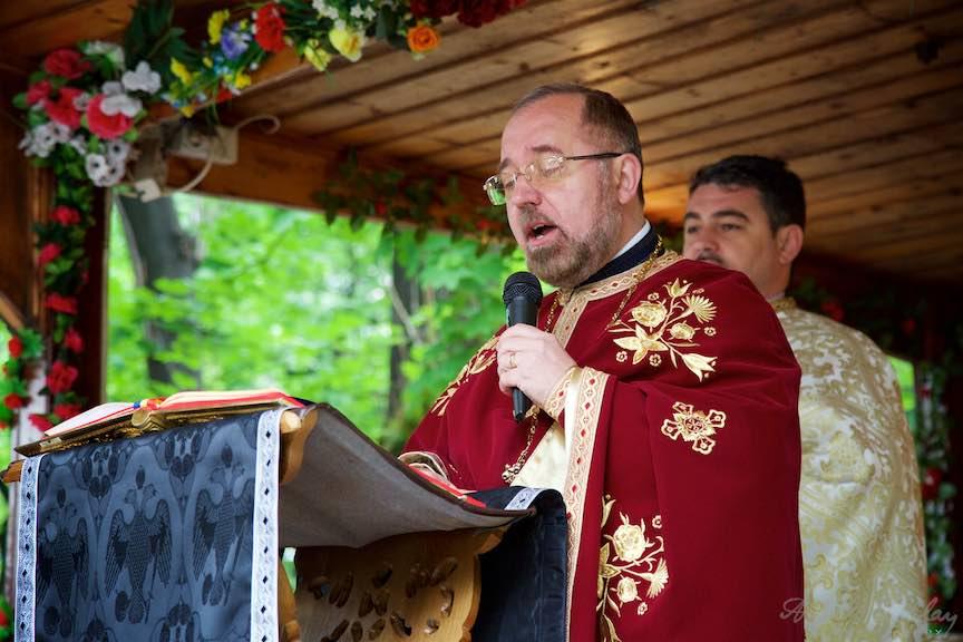 14-Liturghia-Florii-Preotul-Mircea-Uta_Foto-Aurel-Virlan_Emails14