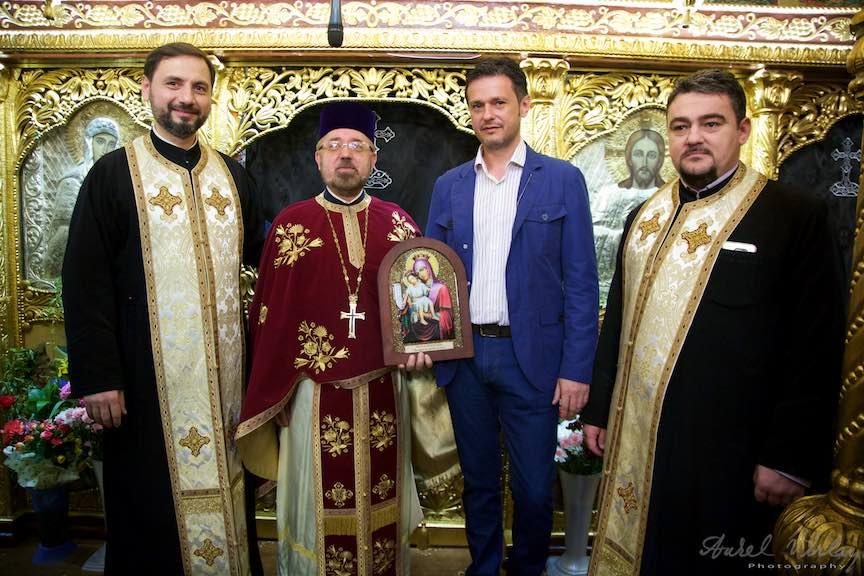 28-Mircea-Uta_si-Primarul-Bucuresti-Razvan-Sava-preotii-bisericii-Aparatorii-Patrei-2-Foto-Aurel-Virlan