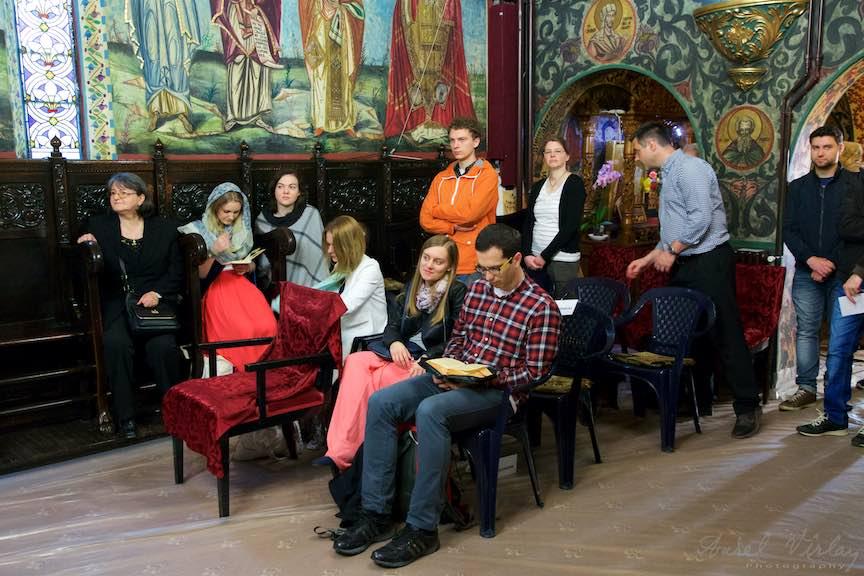 Incondeiat-oua-rosii-Pasti-Ortodox-2016_Foto-Aurel-Virlan_Emails10