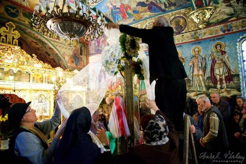 Slujba-Joia-Mare-12-Evanghelii-Pasti-Ortodox-2016_Foto-Aurel-Virlan_Emails4
