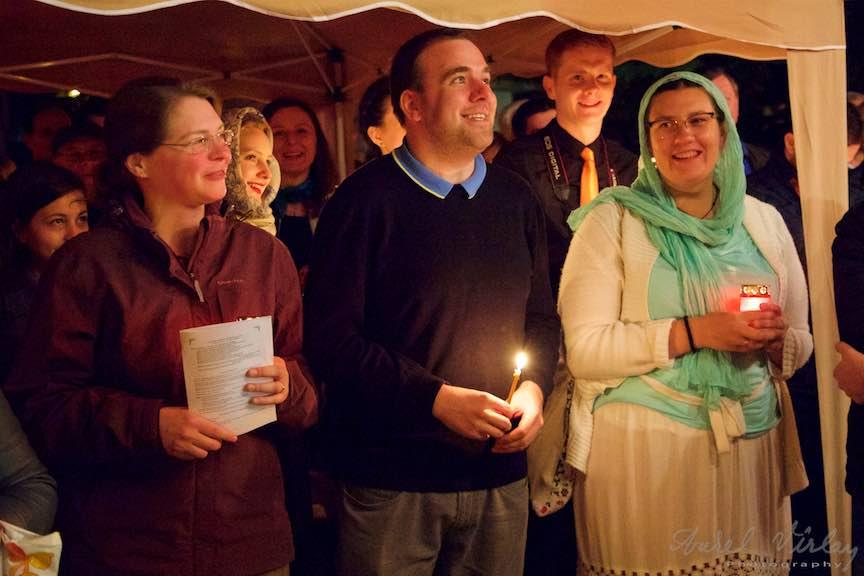 Invierea-Iisus-lumanari-lumina-Pasti-Ortodox-2016_Foto-Aurel-Virlan_Pelerinii Taizé la Sarbatorile Pastilor la Ortodoxi.
