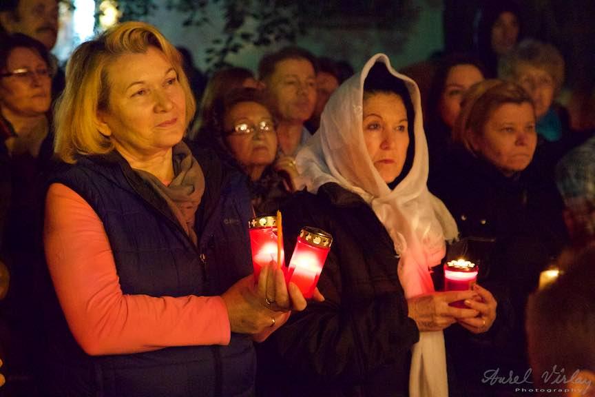 Invierea-Iisus-lumanari-lumina-Pasti-Ortodox-2016_Foto-Aurel-Virlan_Pace si Lumina de la Invierea Lui Iisus.