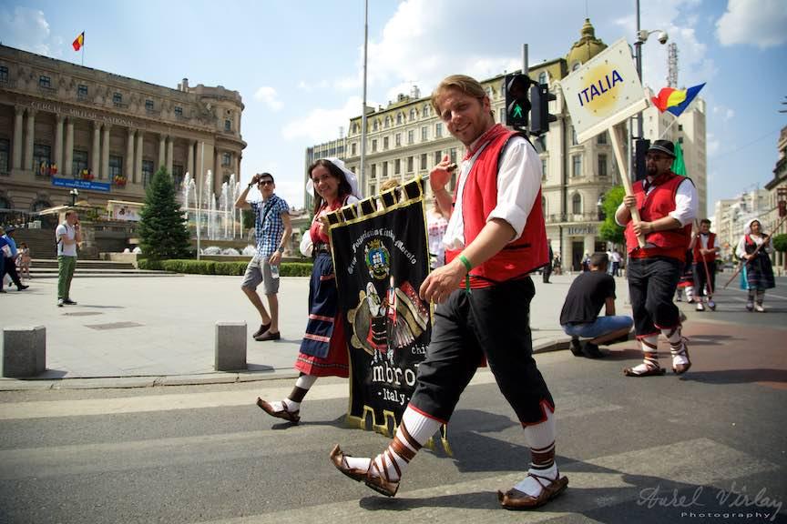 06-FIF-Festivalul-Folclor-Cismigiu-Bucuresti-Creart-Parada-Costumelor-Populare_Foto-Aurel-Virlan