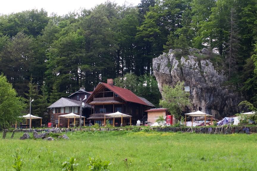 13-Terasa-Poiana-Stanii-Regale-1285metri_Fotografie-Aurel-Virlan