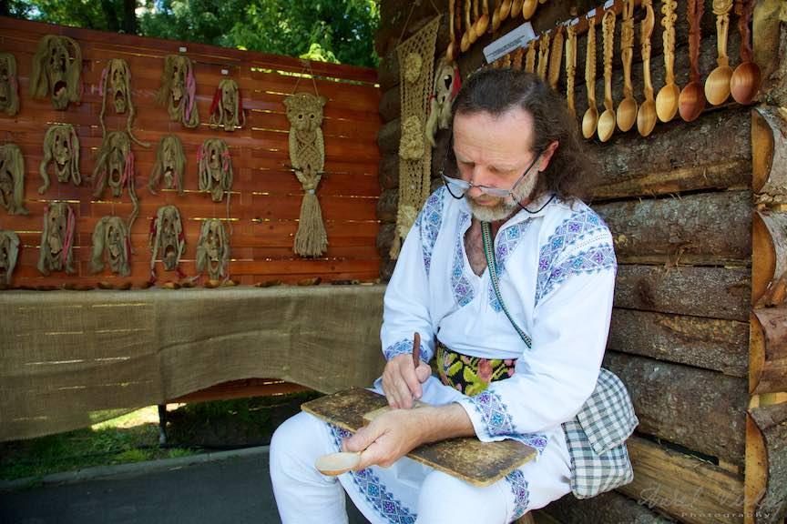 17-FIF-Festivalul-Folclor-Cismigiu-Bucuresti-Creart-mester-popular-atelier_Foto-Aurel-Virlan