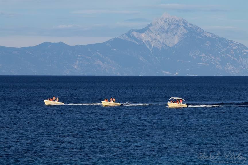 18-Grecia-Voruvourou-barci-pe-mare-Muntele-Athos_Fotografie-Aurel-Virlan