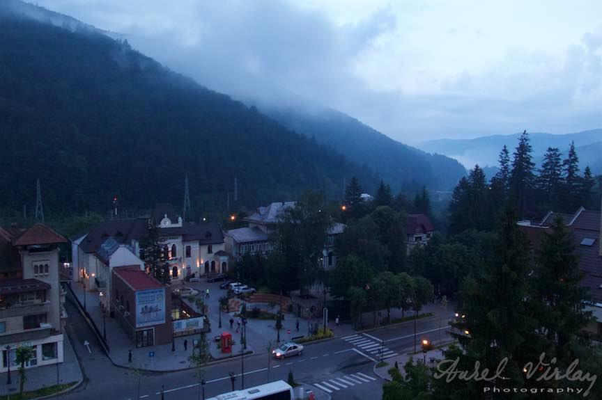 25-Sinaia-vedere-panoramica-seara-Primaria-ceata-departarii_Fotografie-Aurel-Virlan