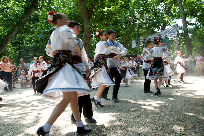 32-FIF-Festivalul-Folclor-Cismigiu-Bucuresti-Creart-dansuri-populare-copii_Foto-Aurel-Virlan