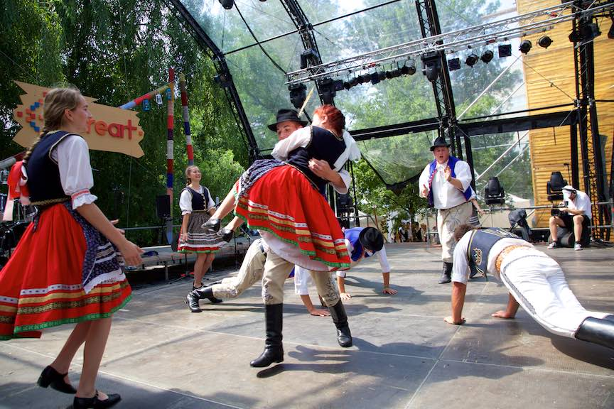 44-FIF-Festivalul-Folclor-Cismigiu-Bucuresti-Creart-dansuri-traditionale_Foto-Aurel-Virlan