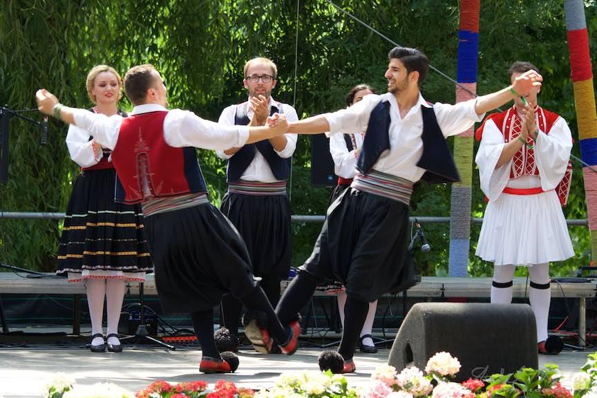 49-FIF-Festivalul-Folclor-Cismigiu-Bucuresti-Creart-Sirtaki-rotire_Foto-Aurel-Virlan