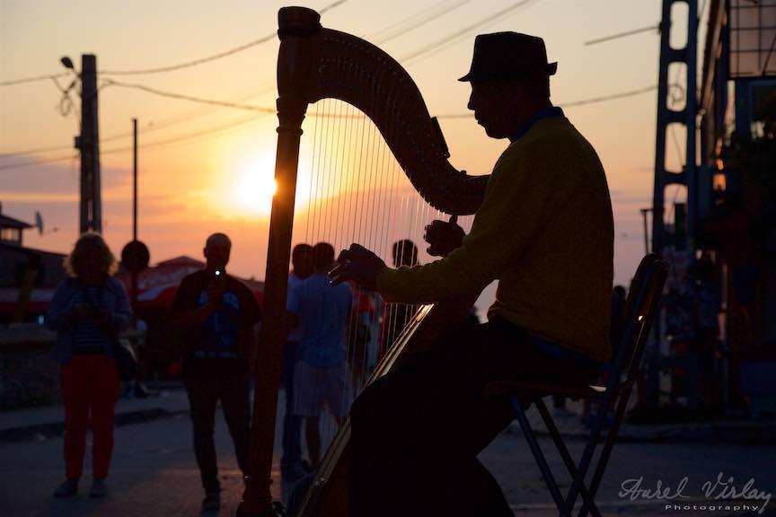 05-Rasarit-de-soare-in-Vama-Veche-dimineata-devreme-cantaret-harpa-edydo-Fotografie-Aurel_Virlan
