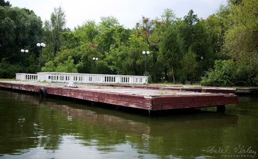11-pontonul-vaporului-lui-ceausescu-Lacul-Snagov_Foto-Aurel-Virlan