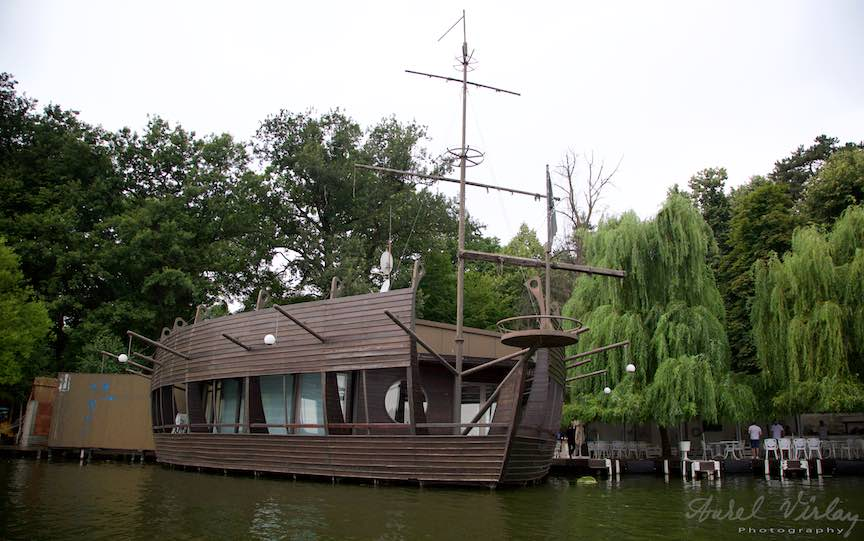 38-Restaurantul-corabie-Lacul-Snagov_Foto-Aurel-Virlan