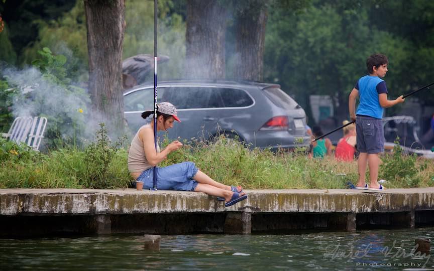 43-la-pescuit-in-fum-de-gratar-Lacul-Snagov_Foto-Aurel-Virlan