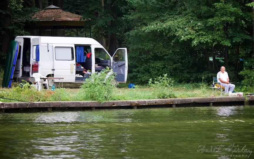 45-microbus-de-dormit-locuit-vacanta-Lacul-Snagov_Foto-Aurel-Virlan