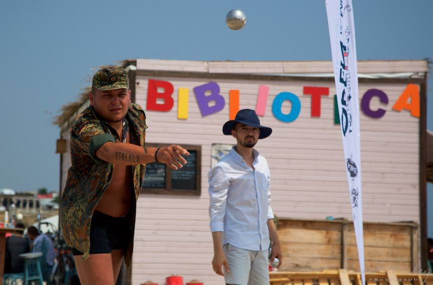 03-Campionat-bile-Petanque-bila-otel-biblioteca-Plaja-de-Carte-Vama-Veche_Foto-Aurel-Virlan
