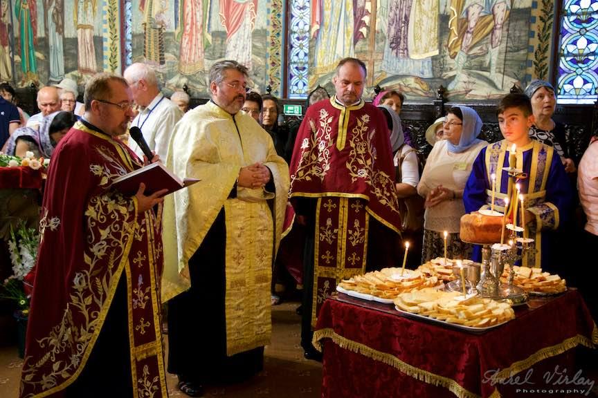 09-sfintirea-painilor-untdelemnului-vinului-graului-sobor-de-preoti-ortodocsi_Foto-AurelVirlan