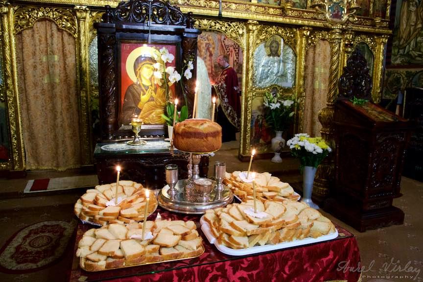 11-sfintirea-painilor-untdelemnului-vinului-graului-Icoana-Maica-Domnului-Iisus_Foto-AurelVirlan