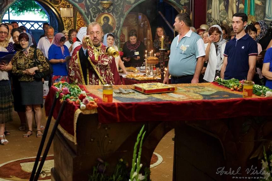 16-Preotul-paroh-Mircea-Uta-biserica-Aparatorii-Patriei-2-Sfantul-Ambrozie_Foto-AurelVirlan
