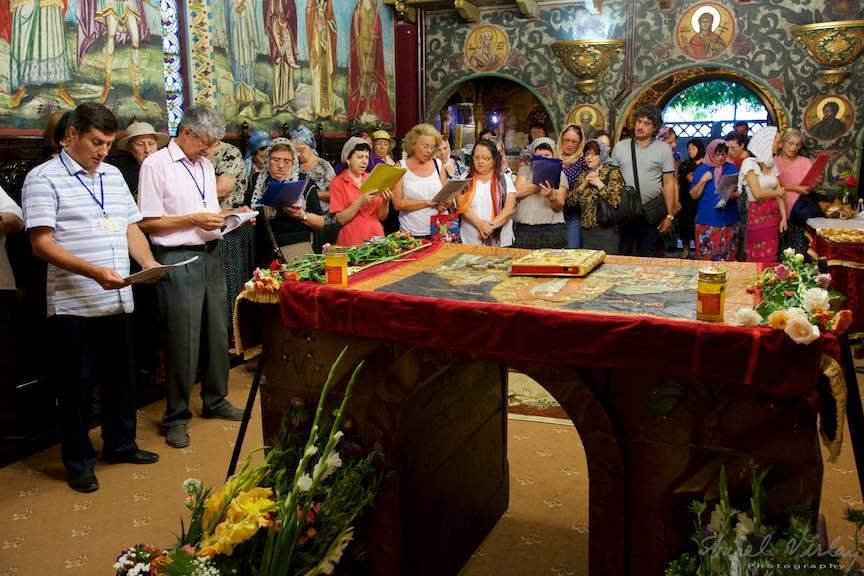 17-Epitaf-Adormirea-Maicii-Domnului-biserica-Aparatorii-Patriei-2-Sfantul-Ambrozie_Foto-AurelVirlan
