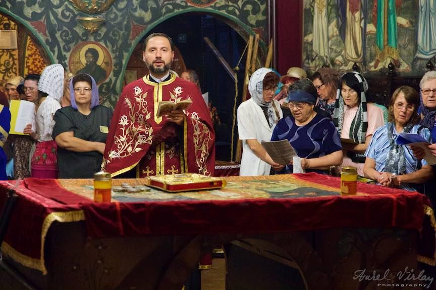 18-Preotul-Cosmin-biserica-Aparatorii-Patriei-2-Sfantul-Ambrozie_Foto-AurelVirlan