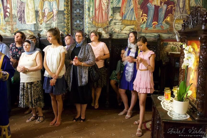 32-credincioase-biserica-Aparatorii-Patriei-2-Sfantul-Ambrozie_Foto-AurelVirlan