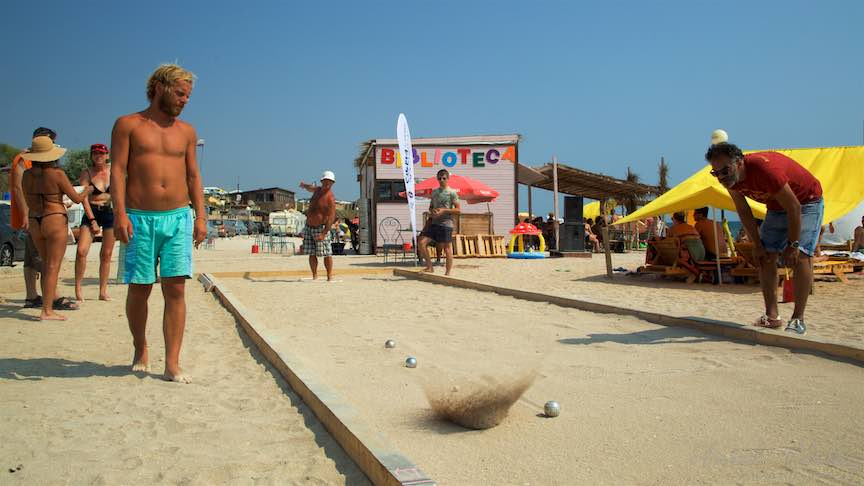 40-Campionat-Petanque-strategie-tehnica-aruncare-bile-otel-plaja-de-carte-Vama-Veche_Fotografie-Aurel-Virlan