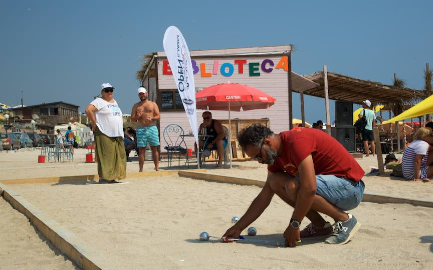 45-Campionat-Petanque-strategie-tehnica-aruncare-bile-otel-plaja-de-carte-Vama-Veche_Fotografie-Aurel-Virlan