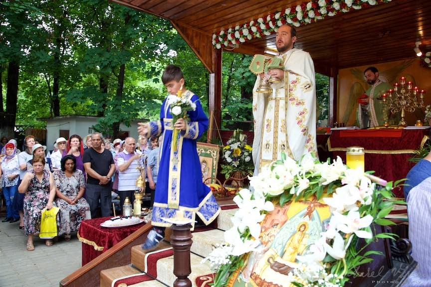 53-Taine-Altar-Foisor-curte-biserica-Aparatorii-Patriei-2-Sfantul-Ambrozie_Foto-AurelVirlan