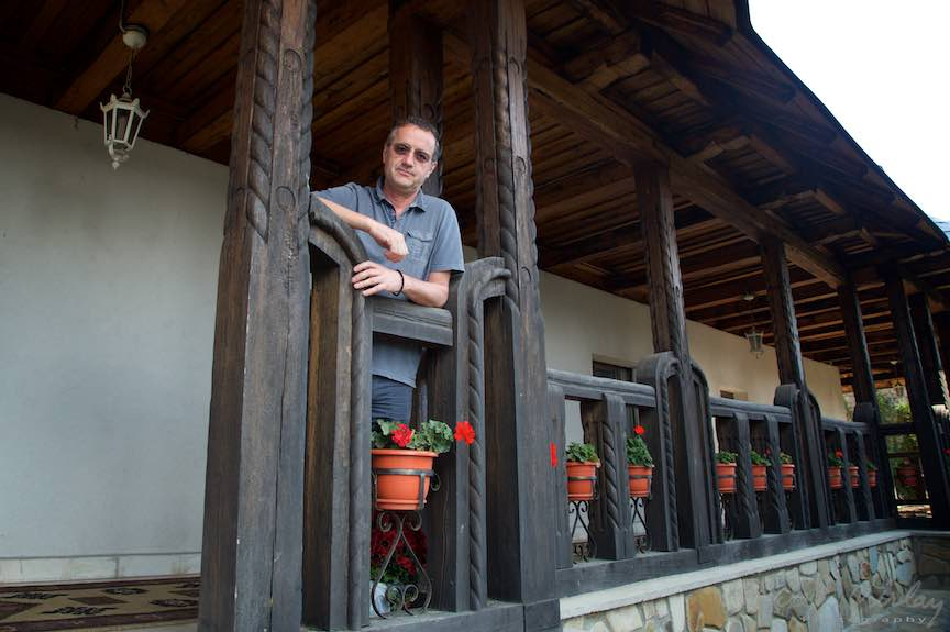33-aurel-virlan-in-cerdacul-de-lemn-manastirea-hadambu