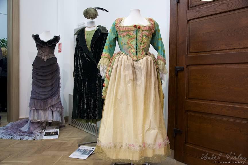 Expozitia de costume Leontina Vaduva la Creart.