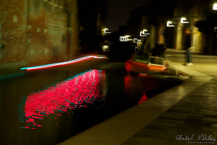 14-impresii-noapte-venice-italy-lumini-rosii-barca_fotografie-aurel-virlan