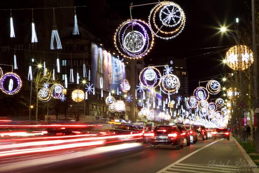 bucharest-christmas-market-piata-constitutiei-2_stopuri-rosii-masini-luminile-sarbatori-oras-bucuresti-bulevardul-magheru_foto-aurelvirlan_emails4