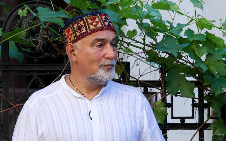 Domnul Varujan Vosganian in tinut de sarbatoare armeana.