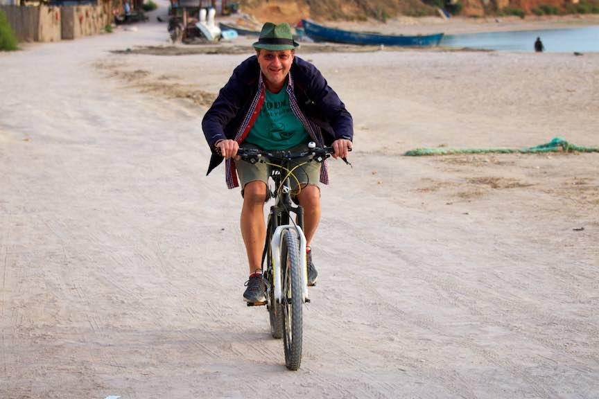 Cel mai biciclist dintre fotografii unei dimineti in Vama! Aurel Virlan by Ioan Ciobotaru